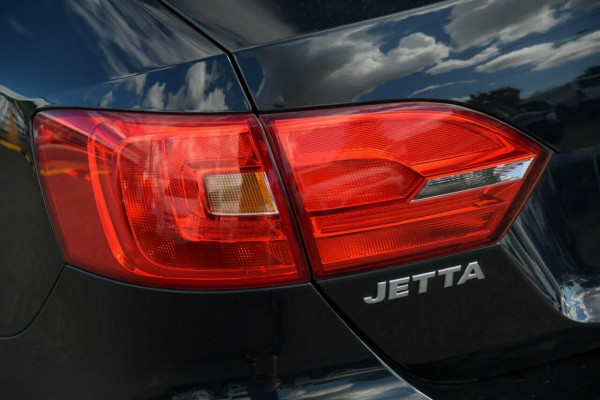 2012 MY12.5 Volkswagen Jetta 1B MY12.5 118TSI DSG Sedan Image 4