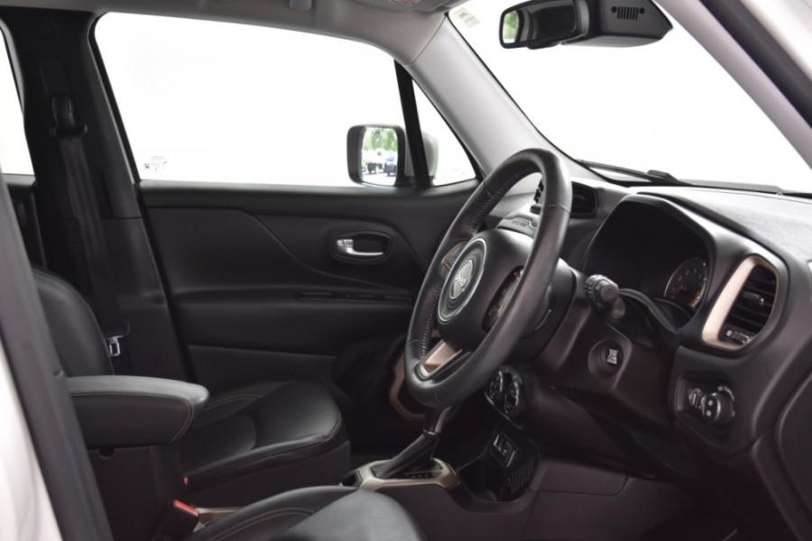 2015 Jeep Renegade BU Limited Hatchback Image 10