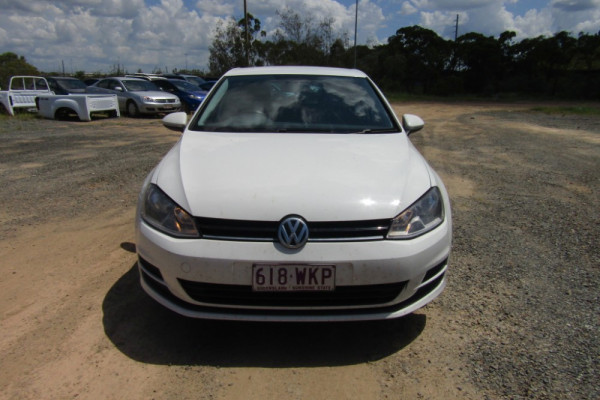 2015 MY16 Volkswagen Golf 7 92TSI Hatchback Image 2