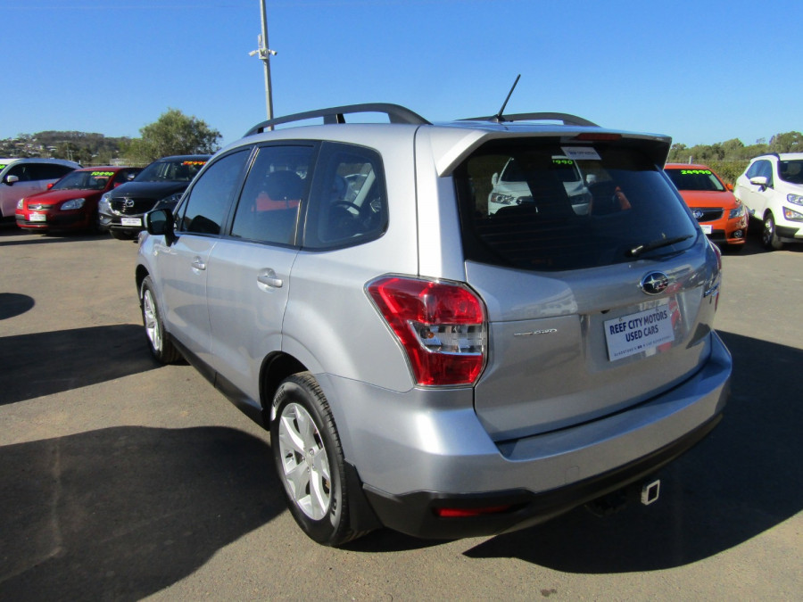 2013 Subaru Forester S4 2.0D Suv Image 4