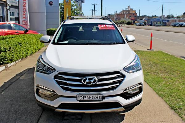 2017 Hyundai Santa Fe DM3  Active Suv Image 3