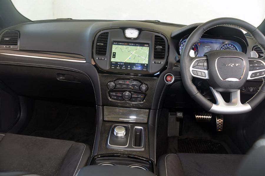 2018 MY19 Chrysler 300 SRT LX SRT Sedan Mobile Image 9