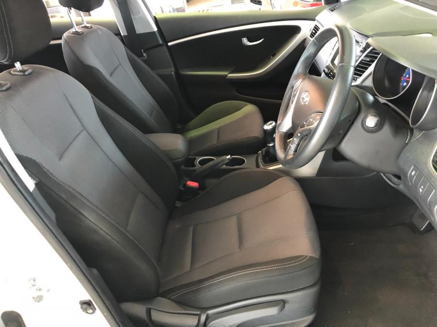 2015 MY16 Hyundai I30 GD3 Series II  SR Hatchback Image 18