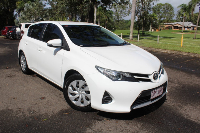 2014 Toyota Corolla ZRE182R Ascent Hatchback Image 2