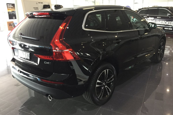 2019 Volvo XC60 UZ D4 Momentum Suv Image 2