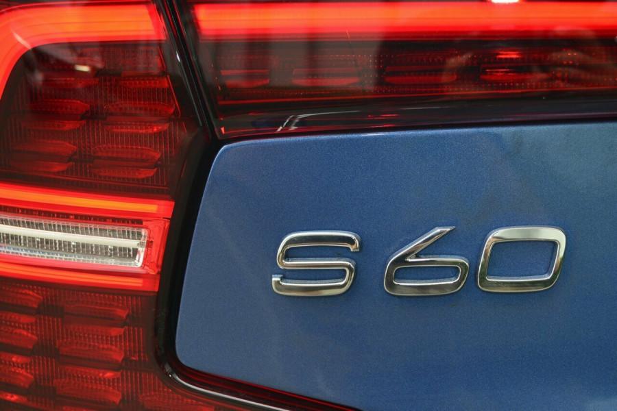 2019 Volvo S60 T5 R-DESIGN Sedan Image 20