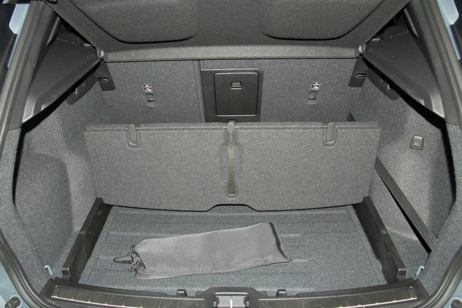 2019 Volvo Xc40 (No Series) MY19 T5 R-Design Suv Mobile Image 11