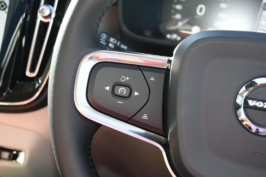 2019 Volvo XC40 T4 Inscription Suv Mobile Image 14