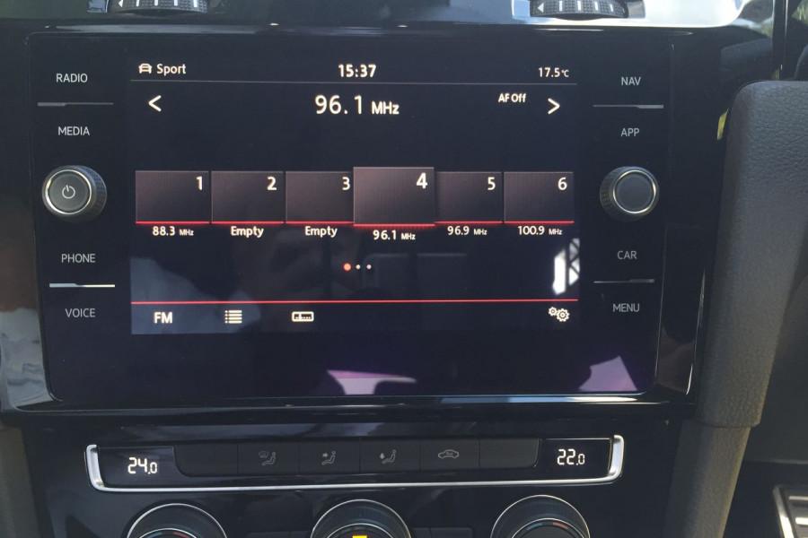 2019 Volkswagen Golf 7.5 GTi Hatchback Image 9