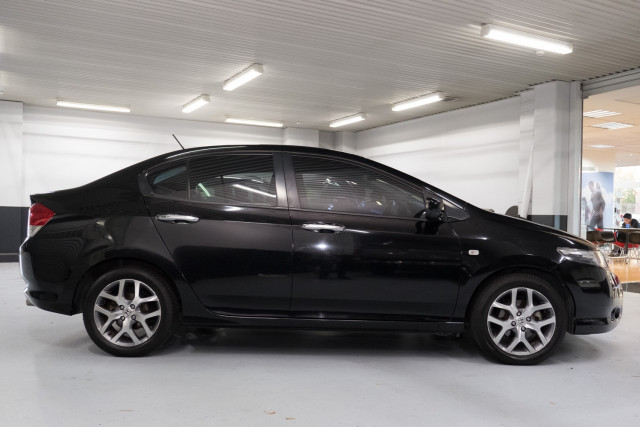 2010 Honda City GM  VTi-L Sedan Image 3