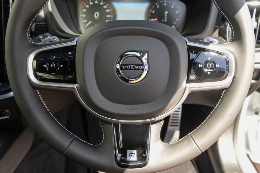 2019 MY20 Volvo S60 Z Series T5 R-Design Sedan Mobile Image 9