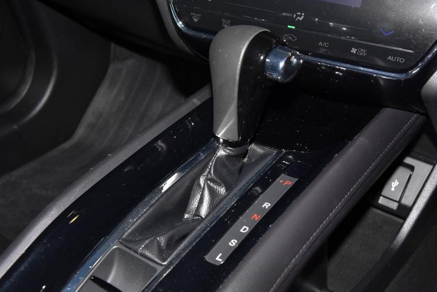 2015 Honda HR-V VTi-S Suv Image 14