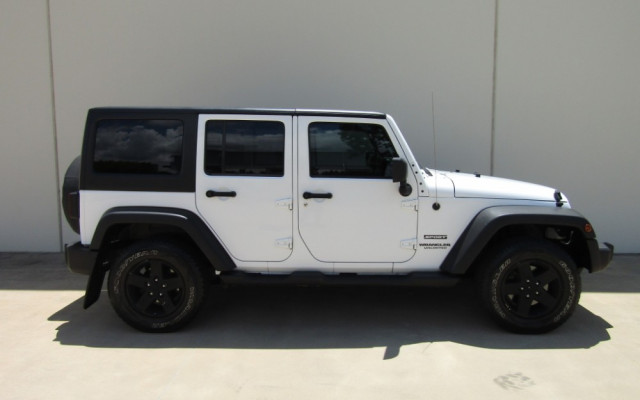 2011 MY10 Jeep Wrangler JK MY2010 UNLIMITED Softtop Image 2