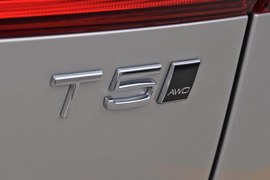 2019 Volvo XC60 UZ T5 Momentum Suv Mobile Image 23