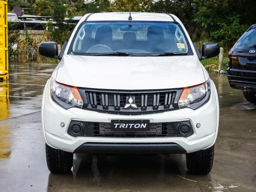 2018 Mitsubishi Triton MQ GLX Double Cab Chassis 4WD Utility