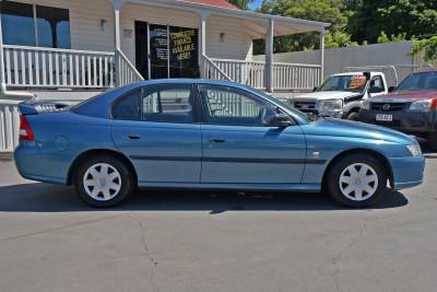 2005 Holden Commodore VZ Executive Sedan Image 5