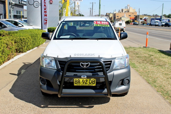 2012 Toyota HiLux TGN16R  Workmate Cab chassis - single cab Image 3