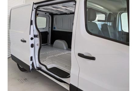 2020 Renault Trafic L2H1 Long Wheelbase Premium Van Image 4