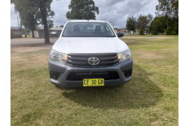 2015 MY14 Toyota HiLux KUN16R Turbo Workmate Cab chassis Image 2