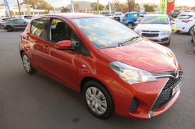 2016 Toyota Yaris NCP130R ASCENT Hatch Image 3