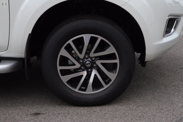 2019 Nissan Navara D23 Series 3 ST-X 4X4 Dual Cab Pickup Utility Image 5