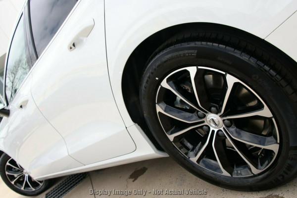 2019 MY20 Volvo V60 F-Series T5 Momentum Wagon