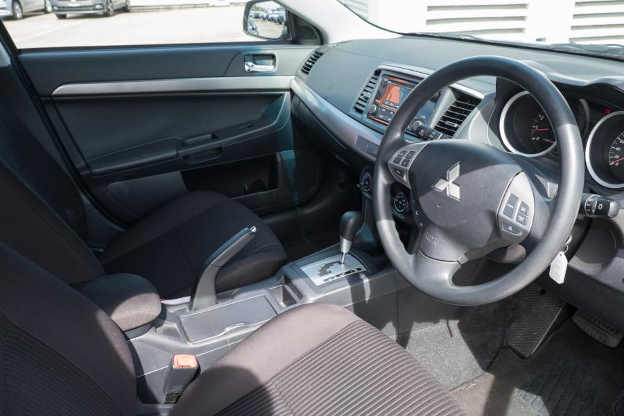 2013 Mitsubishi Lancer Image 14