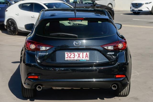 2016 Mazda 3 BM5476 Neo Hatchback Image 4