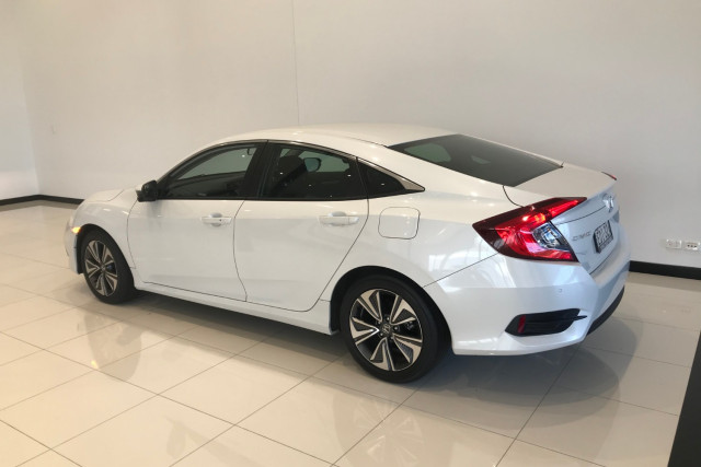 2019 Honda Civic Sedan 10th Gen VTi-L Sedan Image 5