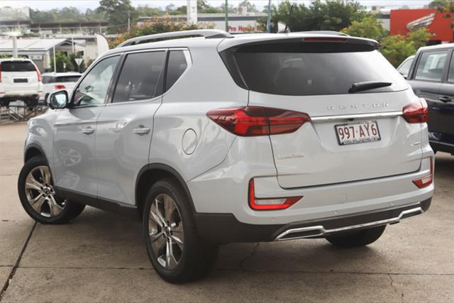 2021 SsangYong Rexton Ultimate 2 of 20