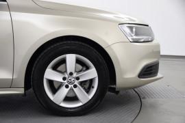 2012 MY13 Volkswagen Jetta 1B MY13 103TDI Sedan Image 3