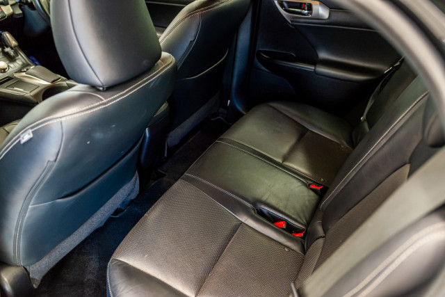 2016 Lexus Ct Hatchback Image 24
