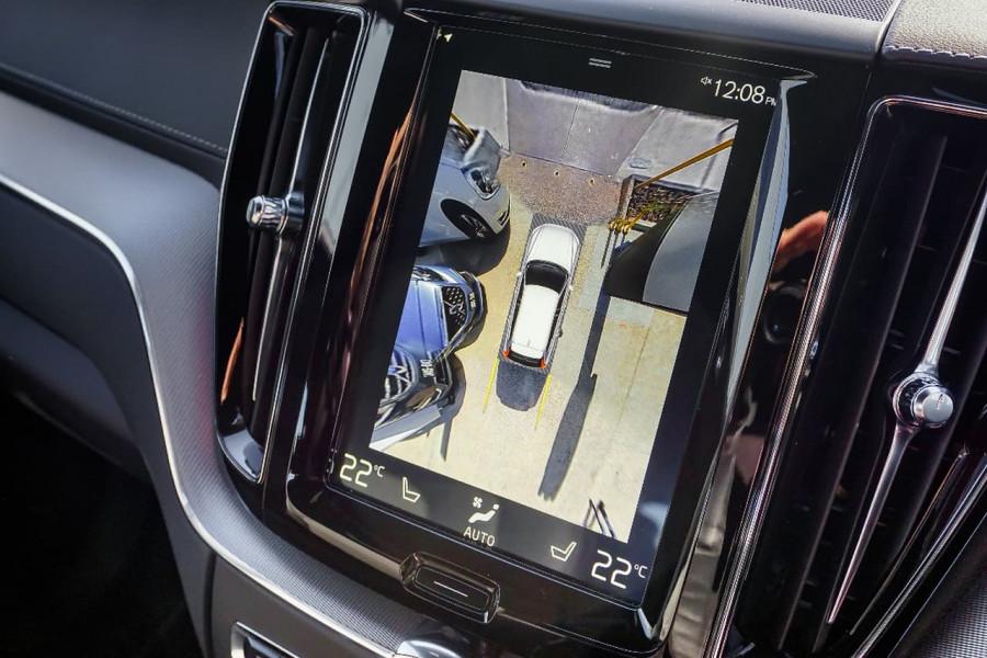 2018 Volvo XC60 UZ T6 R-Design Suv Mobile Image 11