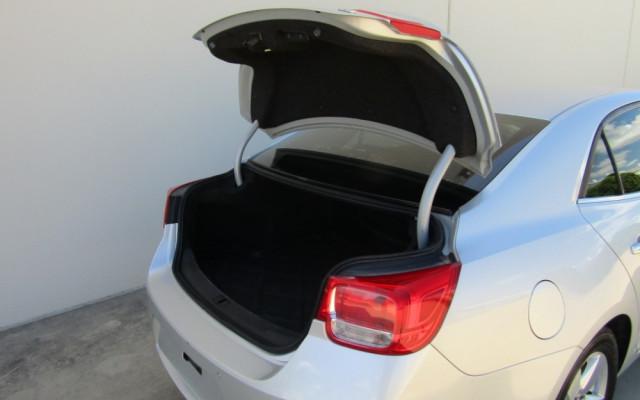 2013 Holden Malibu V300 CD Sedan Image 3