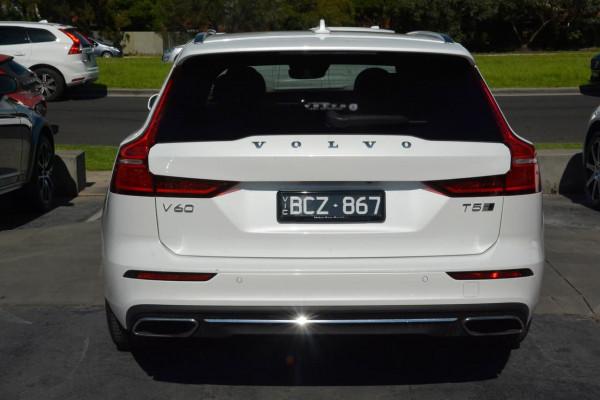 2020 Volvo V60 F-Series T5 Inscription Wagon Image 3