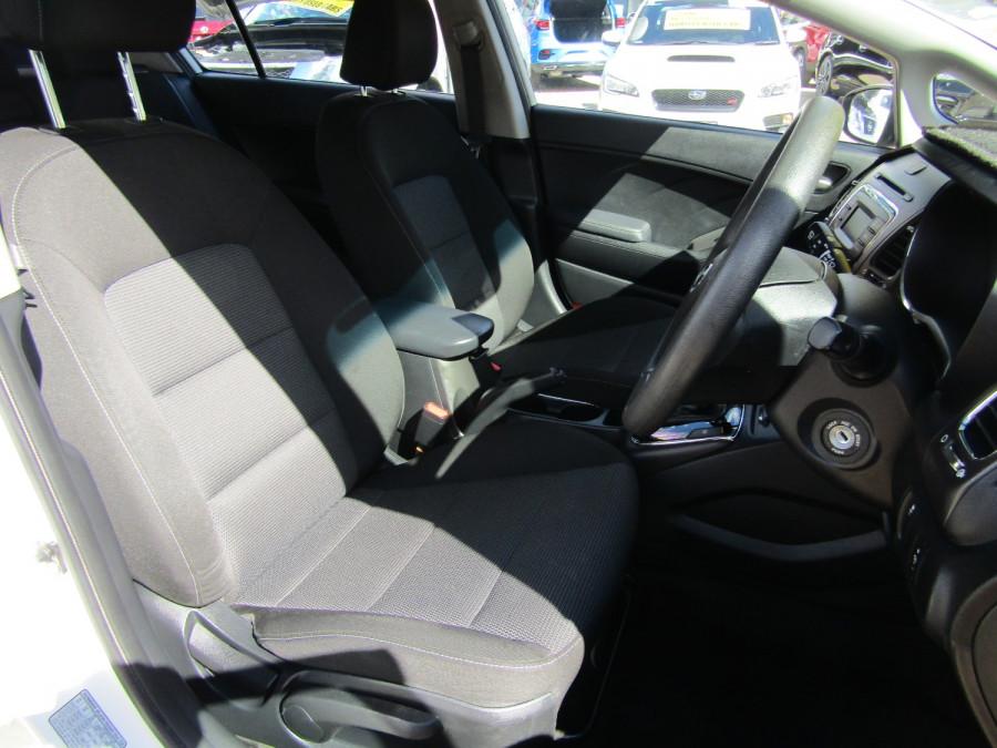 2018 Kia Cerato YD S Hatchback Image 18