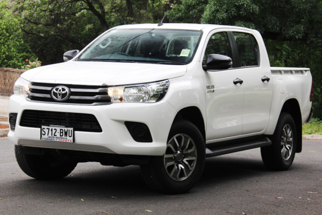 2018 Toyota HiLux GUN SR 4x4 Double-Cab Pick-Up Utility