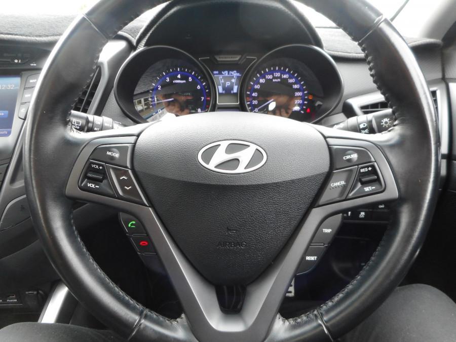 2014 Hyundai Veloster FS3 SR Turbo Hatchback Image 13