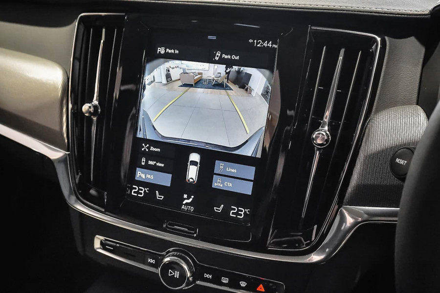 2018 Volvo V90 Cross Country D5 Inscription Wagon Mobile Image 12