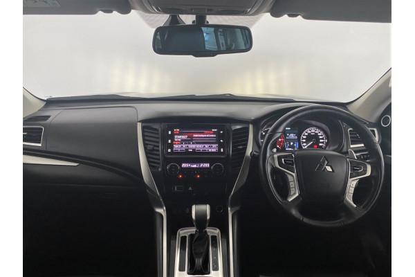 2019 Mitsubishi Pajero Sport QE Exceed Suv Image 5