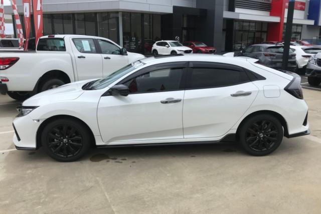 2018 Honda Civic 10th Gen Turbo RS Sedan Image 3