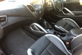 2014 Hyundai Veloster FS3 SR Hatchback Image 5