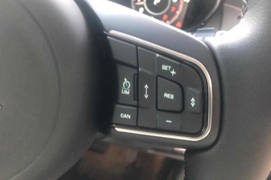 2019 Jaguar E-PACE X540 19MY P200 Suv Image 7