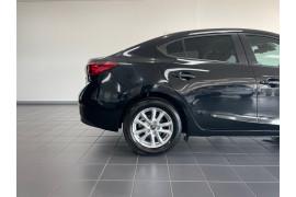 2016 Mazda 3 BM5276 Neo Sedan Image 5