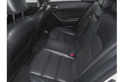 2016 Kia Cerato YD MY17 SLi Hatchback Image 4