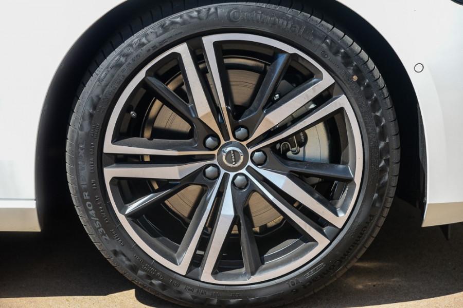 2019 MY20 Volvo S60 Z Series T5 R-Design Sedan Mobile Image 21