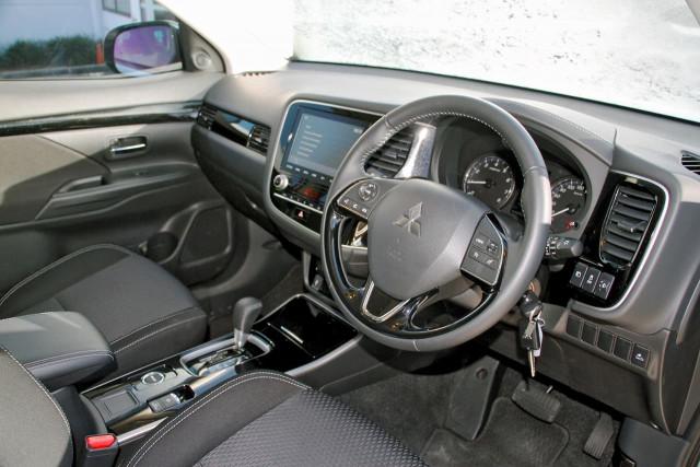 2020 Mitsubishi Outlander ZL MY20 ES Suv Image 6