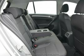 2020 Volkswagen Golf 7.5 110TSI Comfortline Hatchback Image 4