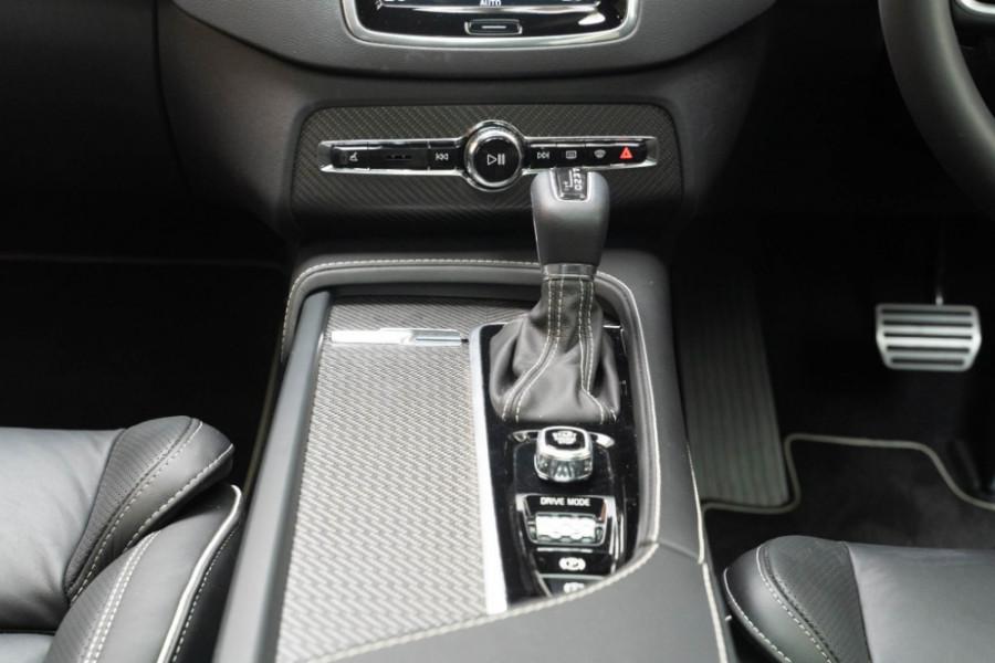 2020 Volvo XC90 L Series D5 R-Design Suv Image 22