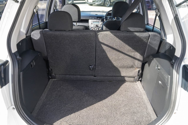 2005 Mazda 2 DY Series 1 Maxx Hatchback Image 20